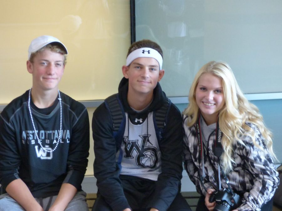 Homecoming Day 5(Black and White Day)